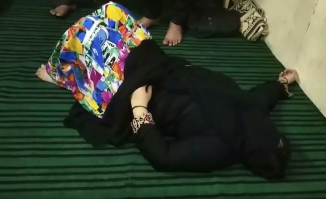 Cin Çıkarma Seansı Sırasında Bayılan Kadın