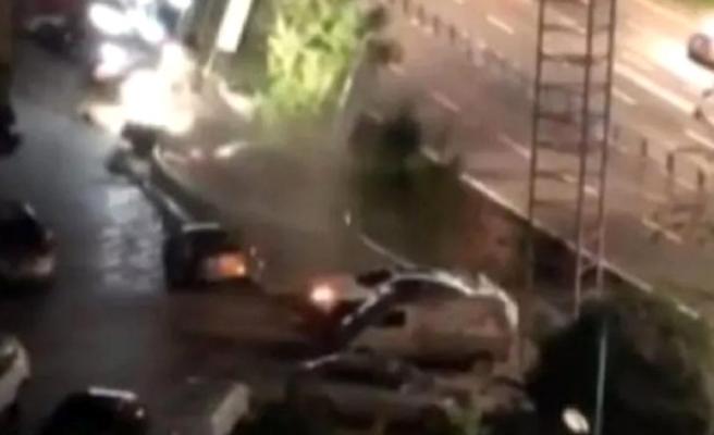 Çin'de çöken yol 21 aracı yuttu! Dehşet anları kamerada