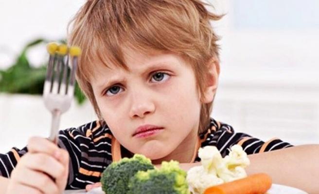 Çocuğunuz yemek yemiyorsa alternatif sunmayın
