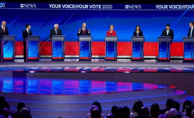 Demokrat adaylar canlı yayında 3. kez kozlarını paylaştı