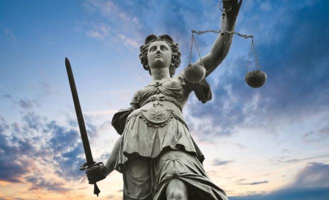 Deniz Zeyrek: 'Yargıdaki Düzenlemeyle Cezaevlerinden 50 Bin Kişi Tahliye Edilecek'