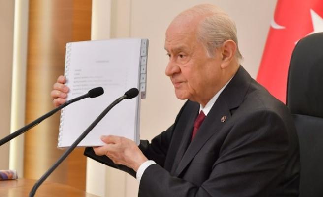 Devlet Bahçeli'nin 100 Maddelik Yeni Anayasa Teklifinde Neler Öneriliyor?