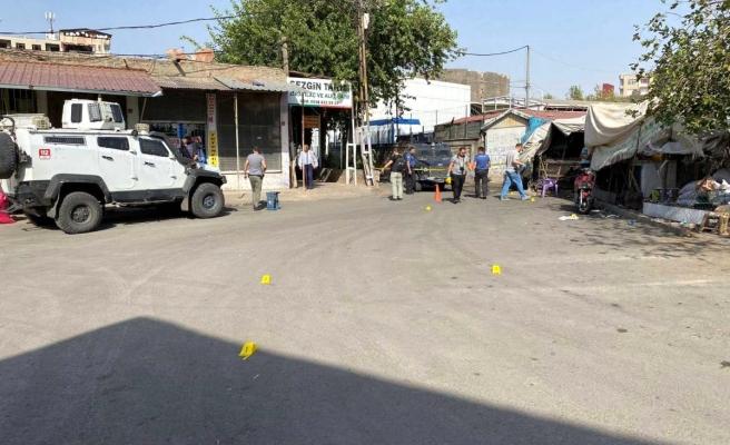 Diyarbakır'da pikap kiralama mevzusu kanlı bitti: 1'i ağır 6 kişi yaralandı