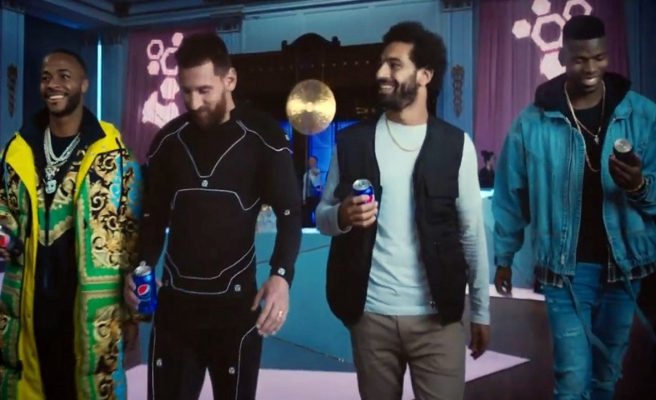 Dört efsane futbolcu aynı reklamda