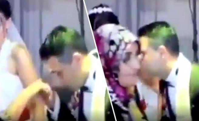 Düğünde, Elini Öptüğü Teyzenin Yanağını Öpemeyen Damadın Efsane Bir Şekilde Troll'lendiği Anlar