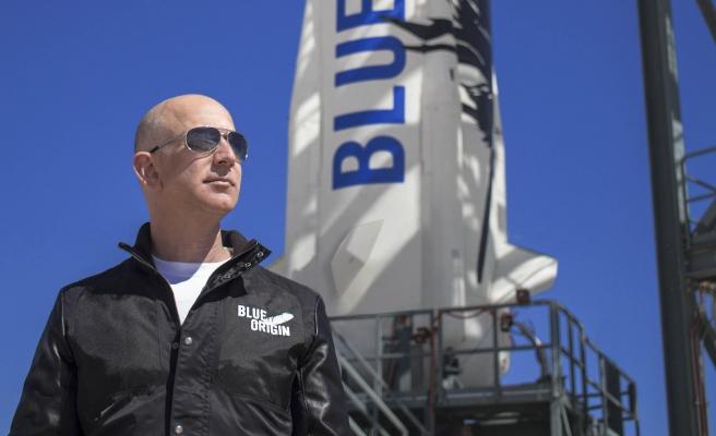 Dünyanın En Zengin İnsanı Jeff Bezos Bugün Uzaya Fırlatılacak: 'Gergin Değilim ama Merak Ediyorum'