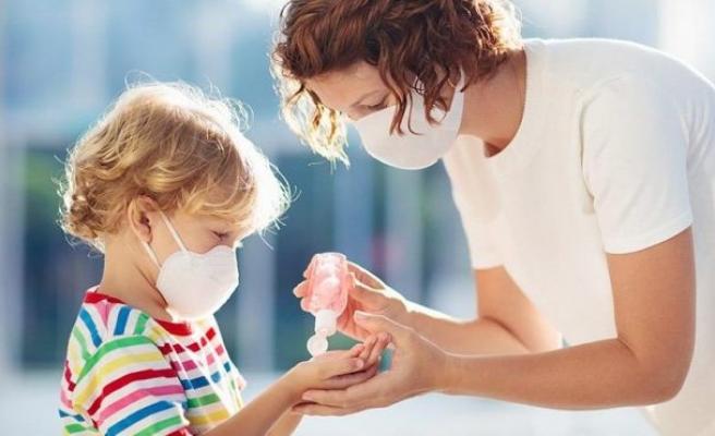 Ebeveynler merak ediyor: Corona virüsü çocukları nasıl etkiliyor?