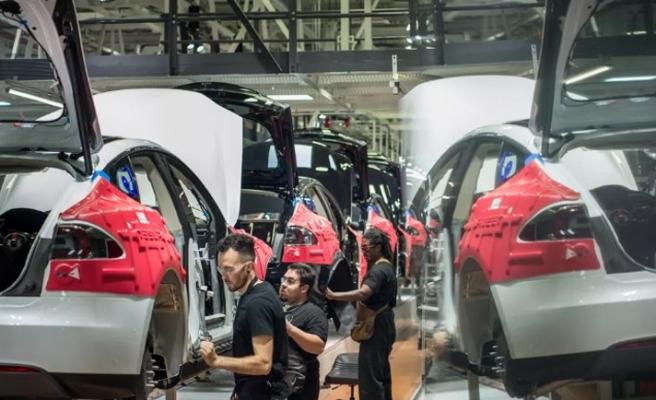 Elon Musk'tan Korona Virüsü kararı