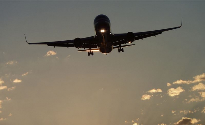Endonezya'da Bir Yolcu Uçağıyla İrtibat Kesildi
