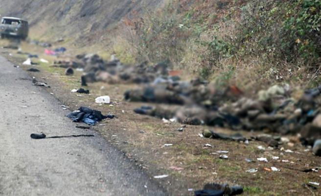 Ermenistan'ın neden yenilgiyi kabul ettiği anlaşıldı! Şuşa yollarında onlarca Ermeni askerin cansız bedeni görüntülendi