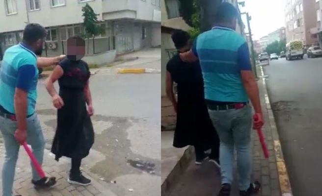 Eşini Taciz Etti İddiası! Sokakta Kadın Kıyafetiyle Gezdirdi Adamı Sopayla Dövdü