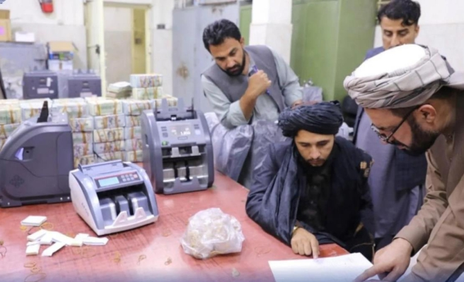 Eski Afgan yöneticilerin evlerinde milyonlarca dolar nakit ve külçe altın bulundu