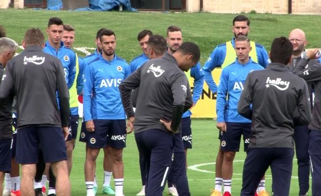 Fenerbahçe'de hazırlıklar Topuk Yaylası'nda devam ediyor