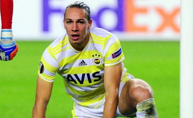 Fenerbahçe, Frey'e kulüp bulamıyor