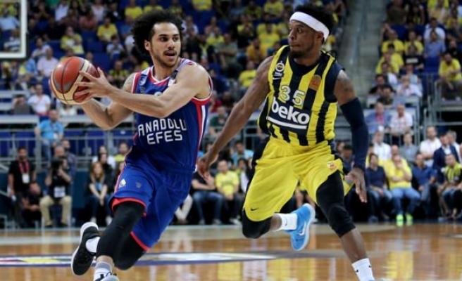 Fenerbahçe yıkıldı! Efes avantajı kaptı