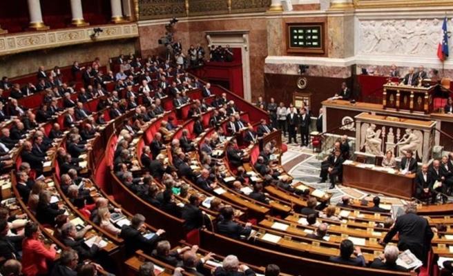 Fransa'da Müslümanları hedef alan 'ayrılıkçı' yasa tasarısı Ulusal Meclis'te onaylandı
