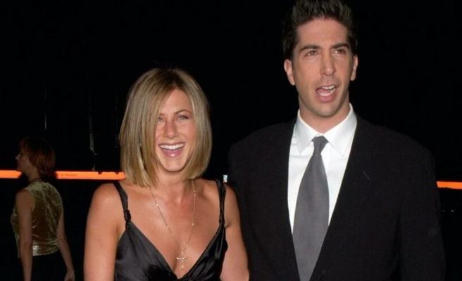 Friends dizisinin oyuncuları aşk mı yaşıyor?