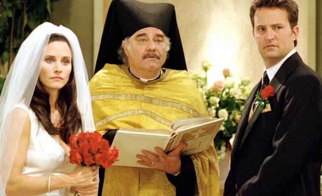 Friends'in Yıldızları Courtney Cox ve Matthew Perry'nin Uzaktan Akraba Oldukları Ortaya Çıktı