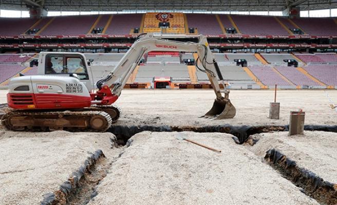 Galatasaray'da stat zemini çalışmaları devam ediyor