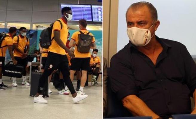 Galatasaray, Yunanistan'a Alınmadı: Fatih Terim, Yapılacak Şey Geri Dönmek Dostluk Maçları, Dostlarladır Dedi