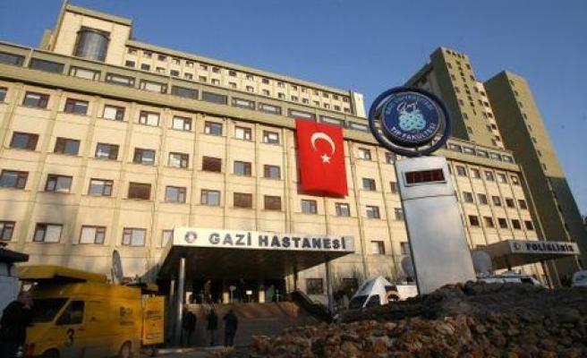 Gazi Üniversitesi Hastanesi'nde Bıçaklı Saldırı: Anestezi Teknikeri, Hastane Müdürünü Yaraladı