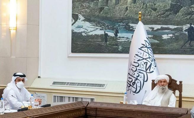 Geçici hükümeti açıklayan Taliban'a ilk üst düzey ziyaret Katar'dan geldi