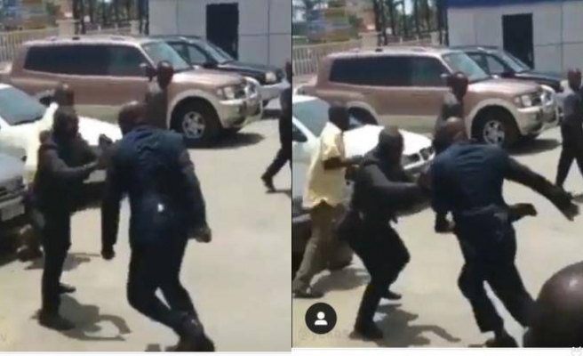 Gine Cumhurbaşkanı Sorumluluk Eksikliği Nedeni ile İşçi Bakanı'nı Herkesin İçinde Tekme Tokat Dövdü İddiası