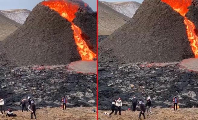 Görüntü İzlanda'dan! Başbakanı dinlemeyip patlayan volkanın önünde voleybol maçı yaptılar