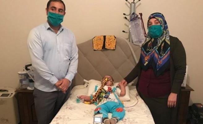Gözyaşları içinde SMA hastası çocuğu için yardım bekliyor