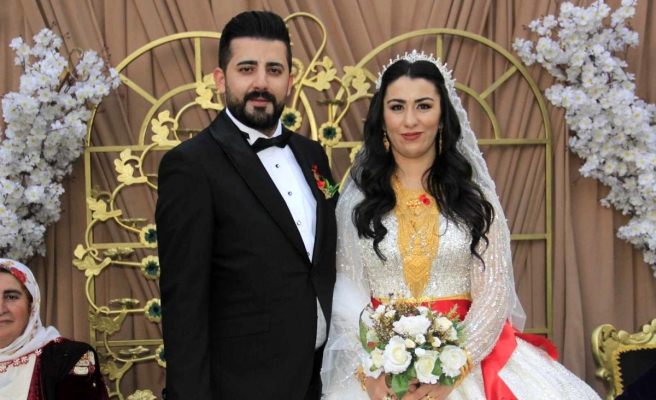 Hakkari'de şehit oğluna görkemli düğün