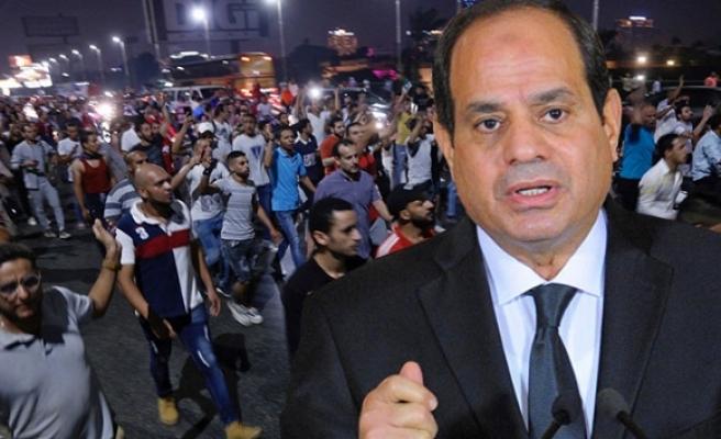 Halk ayaklanması Sisi'yi telaşlandırdı