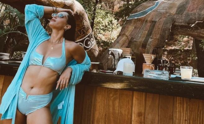 Hande Doğandemir'den bikinili yaza veda fotoğrafları