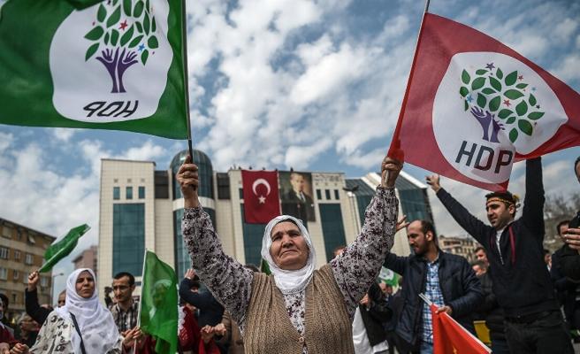 HDP'ye Kapatma İddianamesi: Demirtaş ve Yüksekdağ Dahil, Yüzlerce İsme Siyasi Yasak İstemi