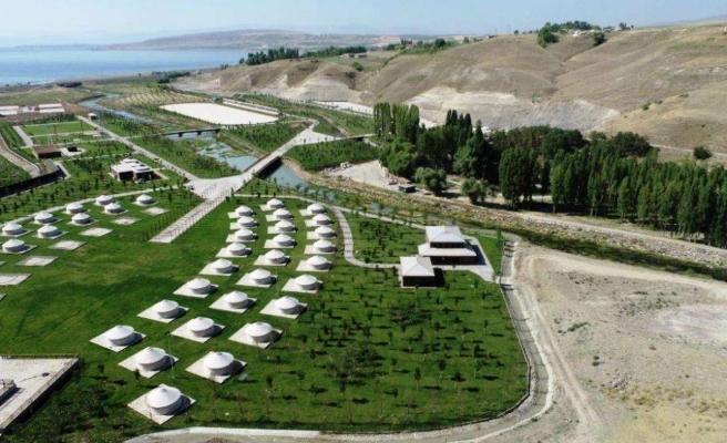 Helikopter Pisti de Var! 42 Bin Nüfuslu Ahlat'a 42 Milyonluk Millet Bahçesi