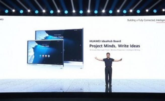Huawei IdeaHub panosunu piyasaya sürdü