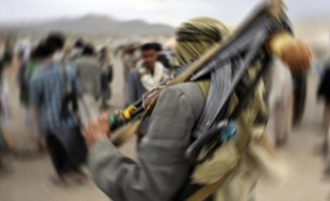 Husiler Suudi Arabistan'ın Cazan bölgesindeki askeri kampı vurdu