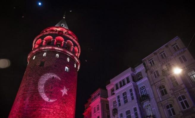İBB Millilere destek için #İstanbulKırmızıBeyaz diyor!