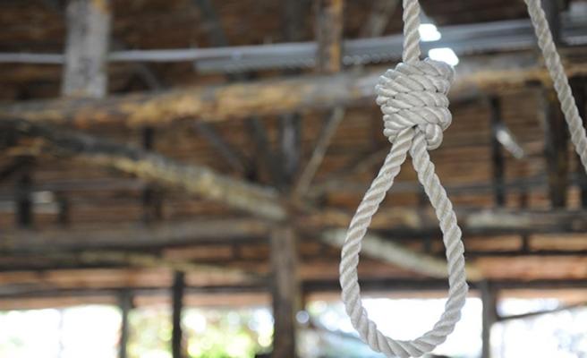 İdam cezası alan kadını, öz kızı infaz etti