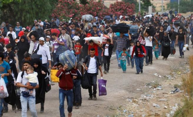 İdlib'de artan saldırılar sonrası Türkiye'ye yönelik yeni bir göç dalgası ihtimali tansiyonu yükseltti