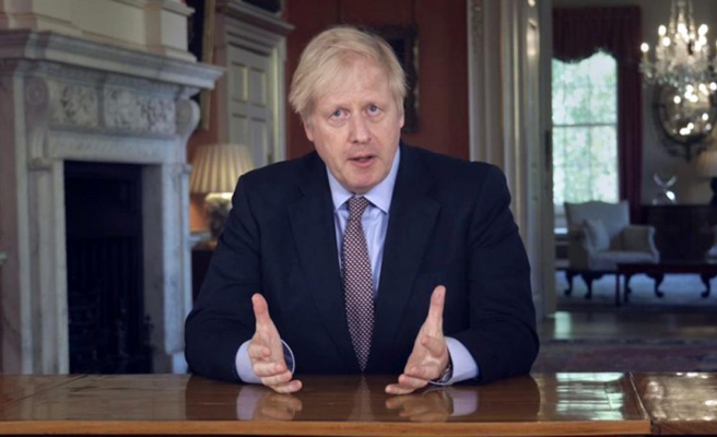 İngiltere Başbakanı Johnson, personele kötü davranan bakana destek verdi, danışmanı istifa etti