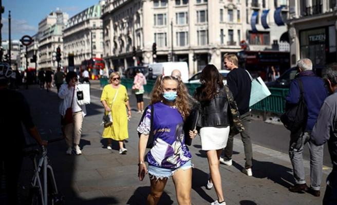 İngiltere'de aşılama sonuç veriyor! Maske takma zorunluluğu kalkacak