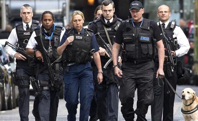 İngiltere'de gizli polislere talimat! Görev zora girerse cinsel ilişkiye girebilecekler