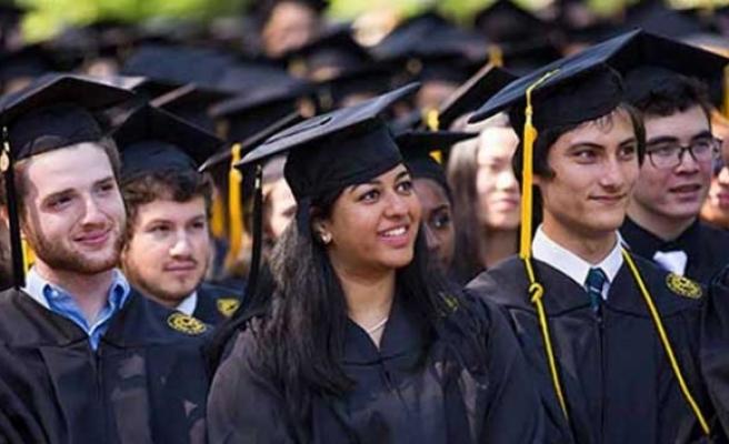 İngiltere'de yabancı öğrenciler mezun olduktan sonra ülkede kalabilecek