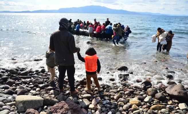 İngiltere'den Göçmen Planı: Parasını Verip Türkiye'ye Yollayalım