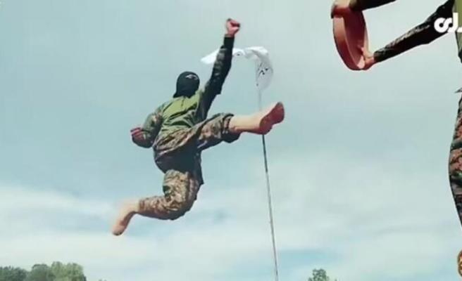 İntihar yelekleri, bomba yüklü araçlar, ağır silahlar! Taliban'ın gövde gösterisi devlet televizyonunda yayınlandı