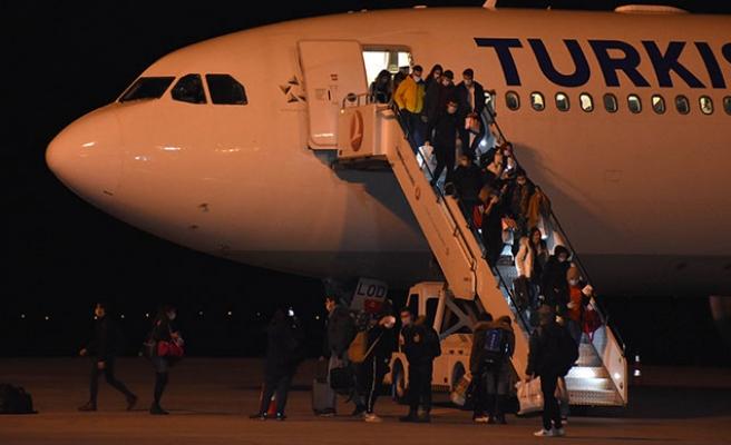 İrlanda'da Bulunan 305 Öğrenci Yurda Getirildi: Sivas'ta Karantina Altına Alındılar