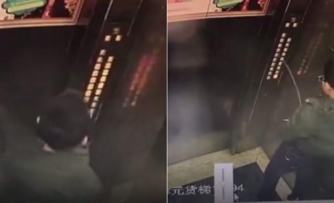 İşediği Asansör Düğmeleri Bozulunca Asansörde Kalan Çocuk