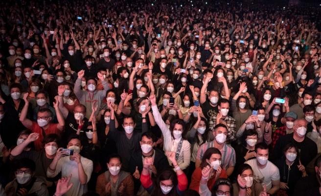 İspanya'da Yapılan Sosyal Mesafesiz Konser Deneyinin Sonuçları Açıklandı