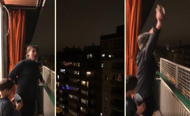 İtalya'da Balkondan Aryasını Seslendiren Opera Sanatçısının Muhteşem Anları