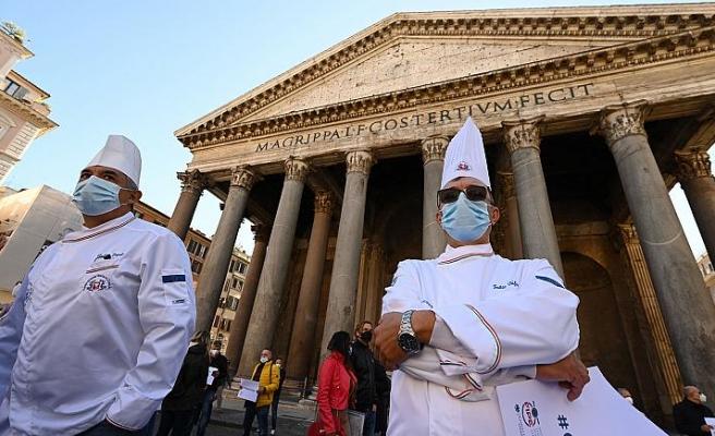 İtalya'da Salgın Önlemlerine Karşı Eylem: Binlerce Restoran Kepenk Açacak